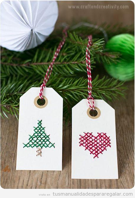 Etiquetas Navidad hechas a mano con punto de cruz, tutorial paso a paso
