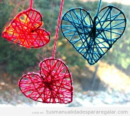 Corazones hechos con hilo, regalo manualidades para san Valentín