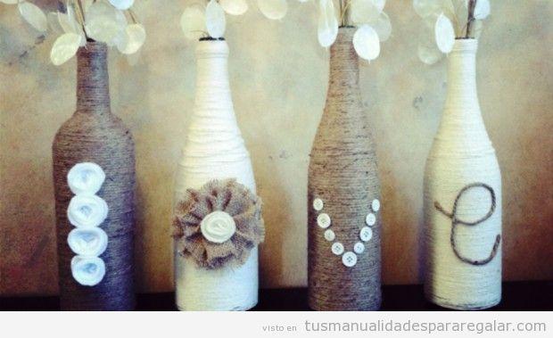 Manualidades regalar, jarrón hecho con botellas y cuerdas de yute