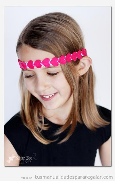 Regalo hecho a mano para niñas, diadema hippie con corazones