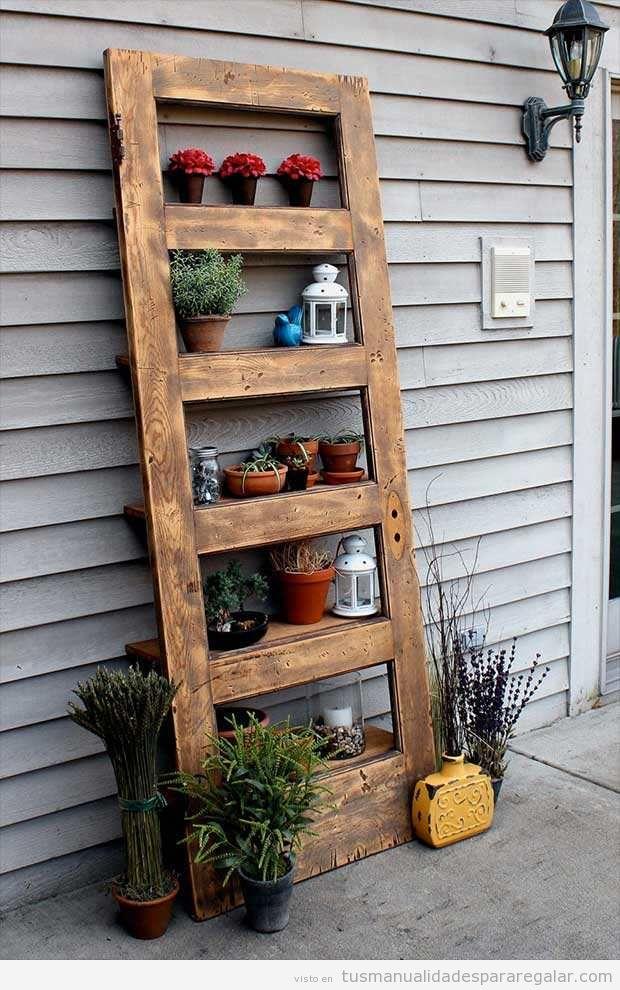 Manualidades con madera reciclada manualidades para for Puertas antiguas para decoracion