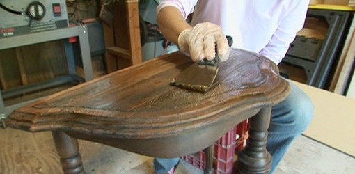 Cómo restaurar mueble antiguo, decapar