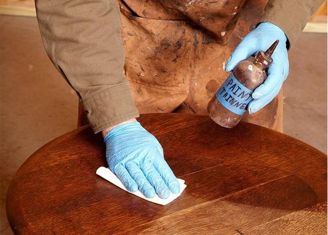 Cómo restaurar mueble antiguo, seguridad