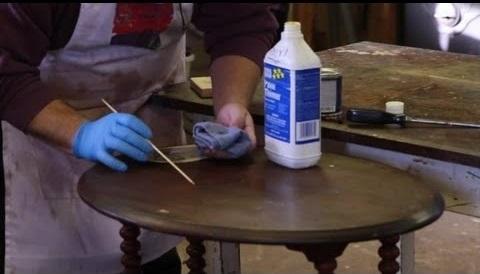 Cómo restaurar mueble antiguo, reparar arañazos